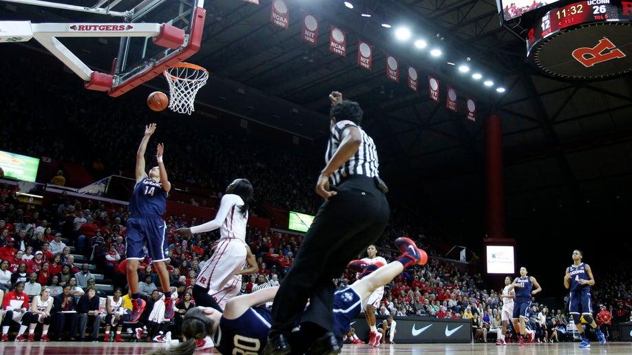 35f08ba0-UConn Rutgers Basketball