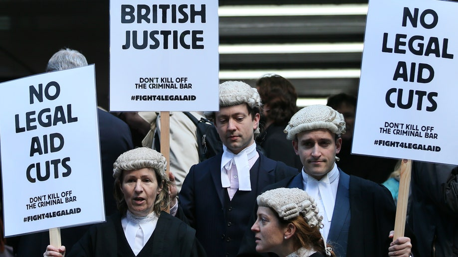 314dc2f9-Britain Lawyers Protest
