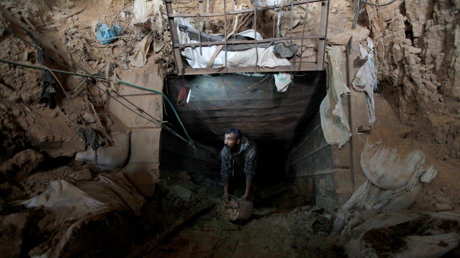 dc587492-Mideast Gaza Egypt
