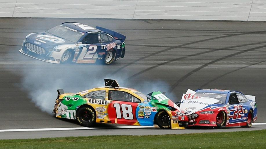 ca9770b5-NASCAR Kansas Auto Racing