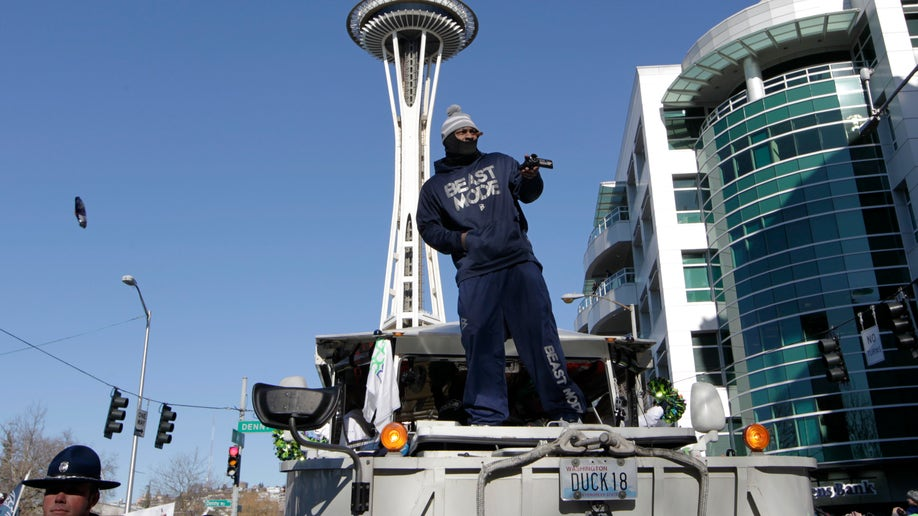 56233906-Seahawks Parade Football