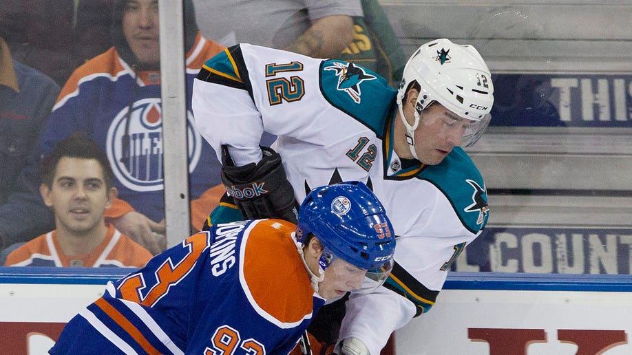 514bddfa-Sharks Oilers Hockey