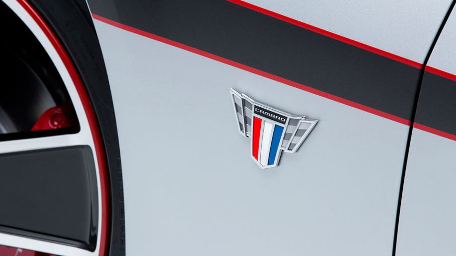 ab273612-2015 Camaro Commemorative Edition