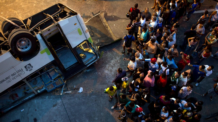 cb5f5a64-Brazil Bus Accident