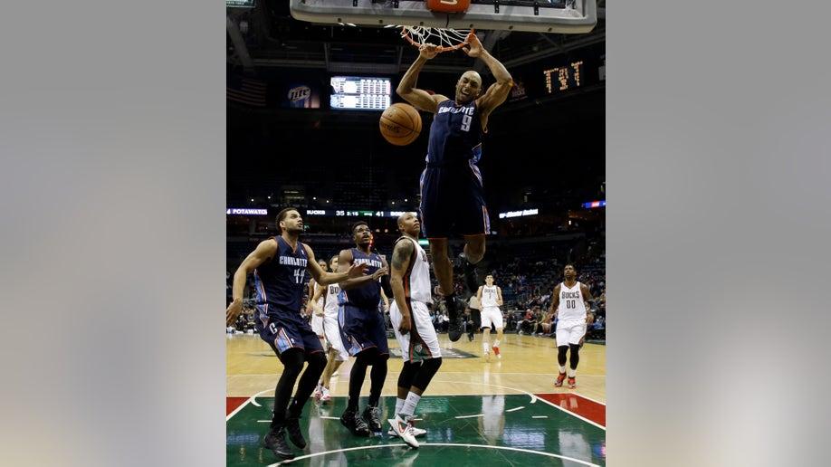 aac1eb1d-Bobcats Bucks Basketball