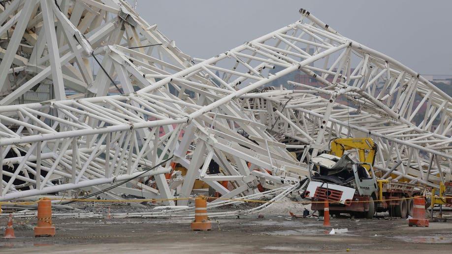483879e4-Brazil Stadium Collapse