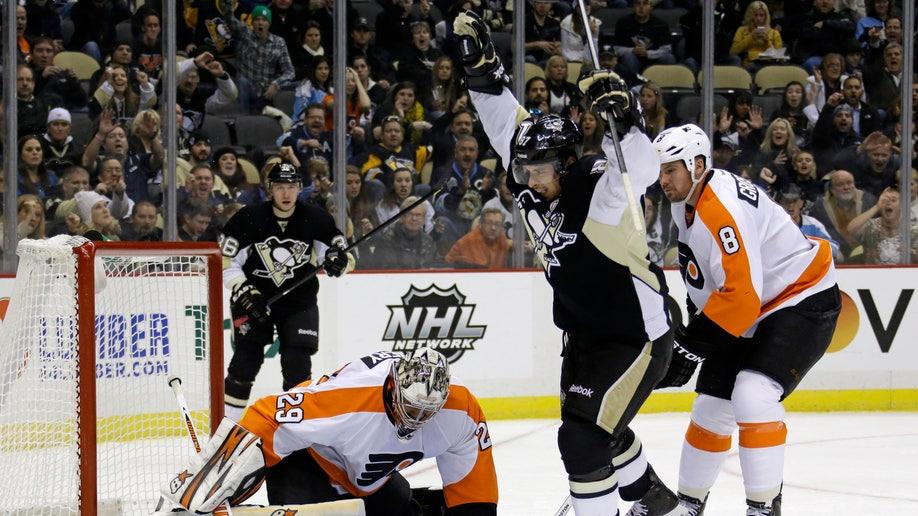 952e7348-Flyers Penguins Hockey