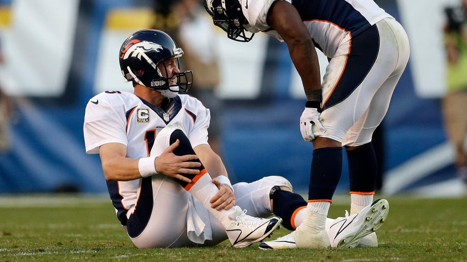 767c5ea5-Broncos Chargers Football