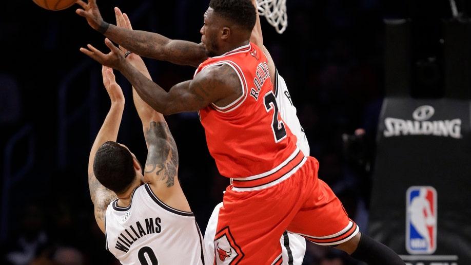 dc43c1aa-Bulls Nets Basketball