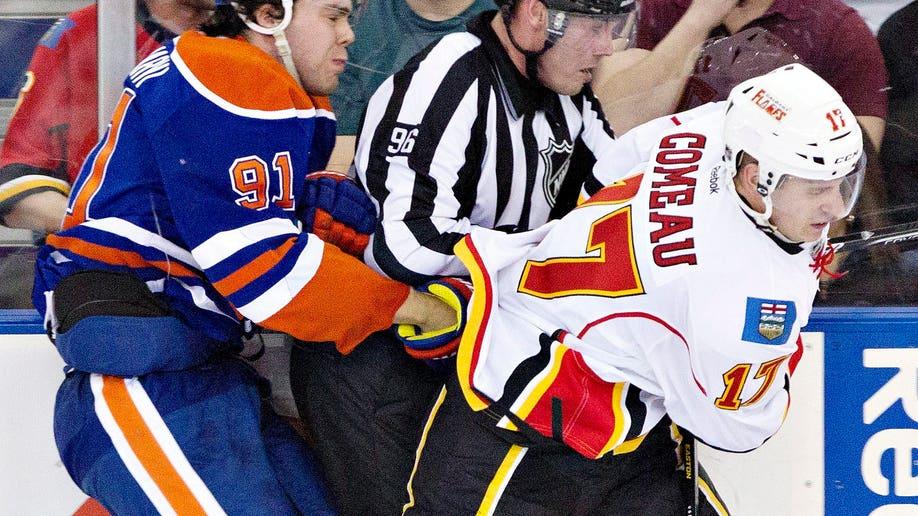 8374b287-Flames Oilers Hockey
