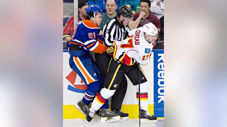 8374b287-Flames Oilers Hockey