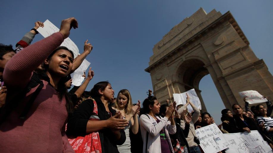 b62cfceb-India Gang Rape