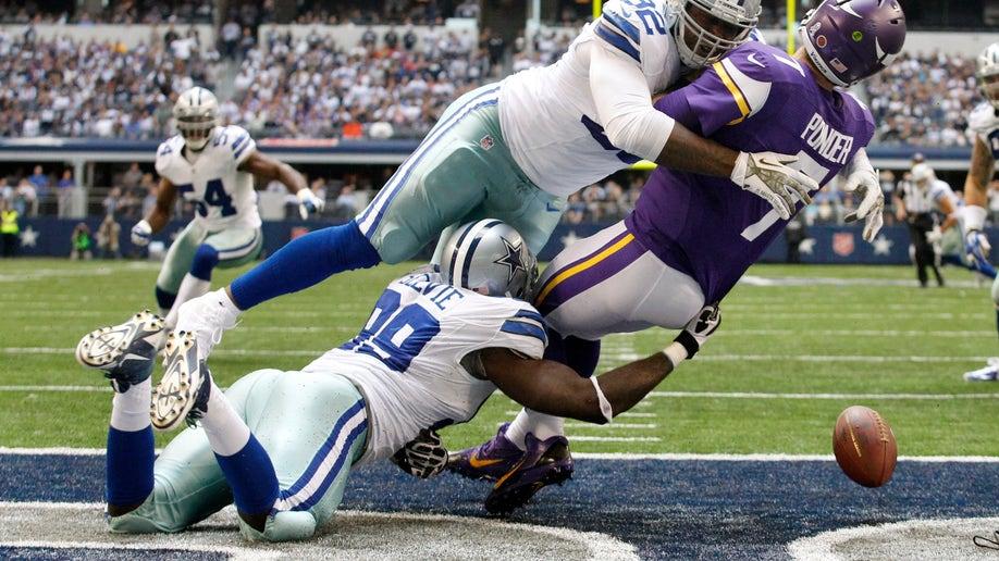 e9ffd085-Vikings Cowboys Football