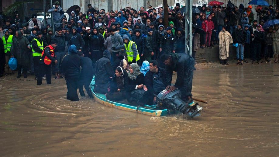 Mideast Palestinians Storm