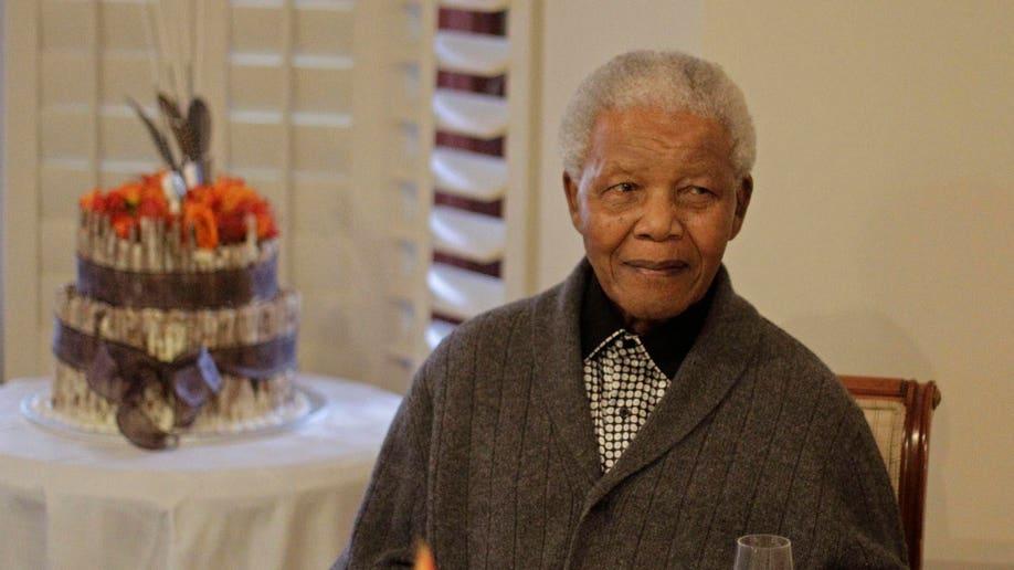 d01a9d9d-South Africa Mandela Hospitalized