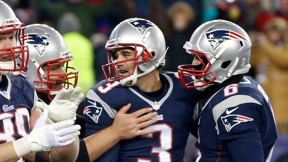 94f3e94f-Broncos Patriots Football