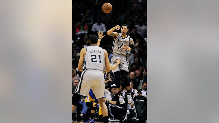 856a2c38-Warriors Spurs Basketball