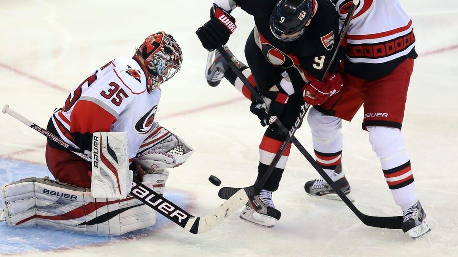 3ec90015-Hurricanes Senators Hockey