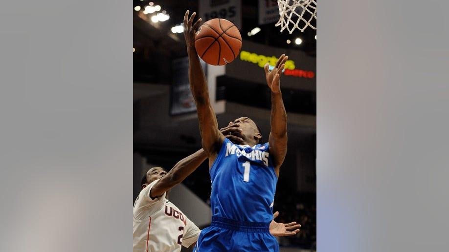 64a00db6-Memphis UConn Basketball