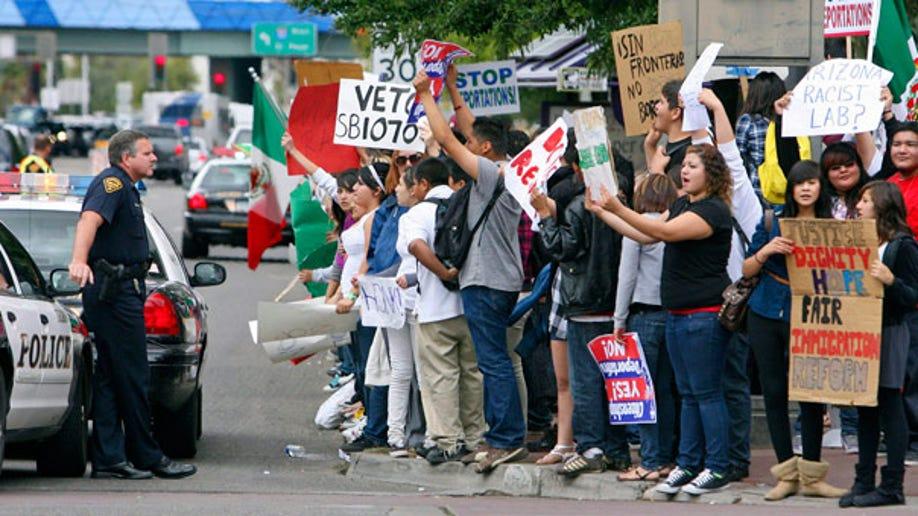 d3c52e82-IMMIGRATION PROTEST