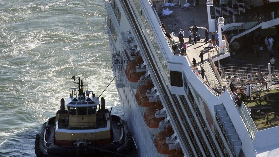42e6f08e-Disabled Cruise Ship