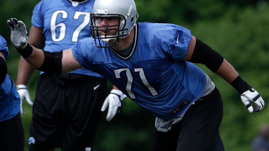 Lions Offensive Line Football