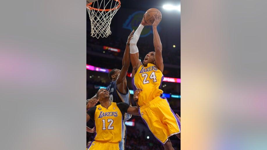 81eee509-Grizzlies Lakers Basketball