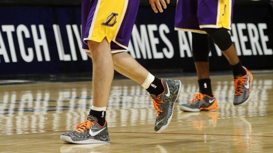 04f3f039-Lakers Bulls Basketball