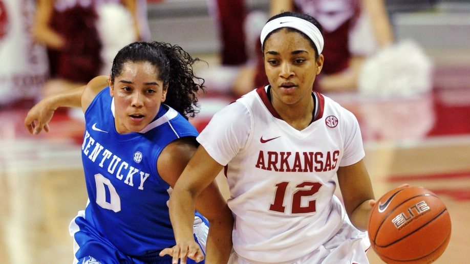847d9dcf-Kentucky Arkansas Basketball