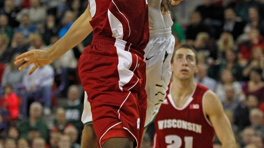 d7553cee-Wisconsin Green Bay Basketball