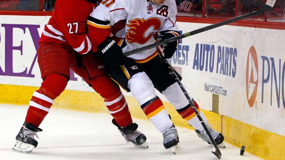 acaf3840-Flames Hurricanes Hockey