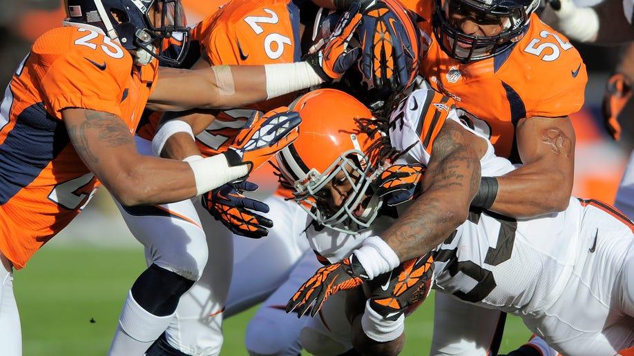 908bab5c-Browns Broncos Football