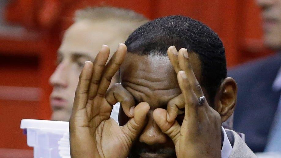 88ed4b99-Bulls Heat James Out Basketball