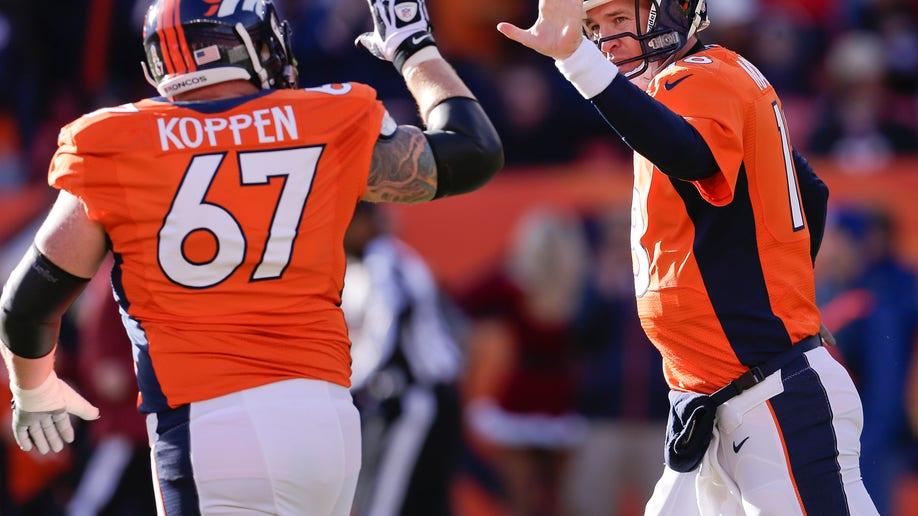 d8ea2fa9-Browns Broncos Football