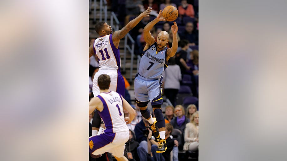 49c54792-Grizzlies Suns Basketball
