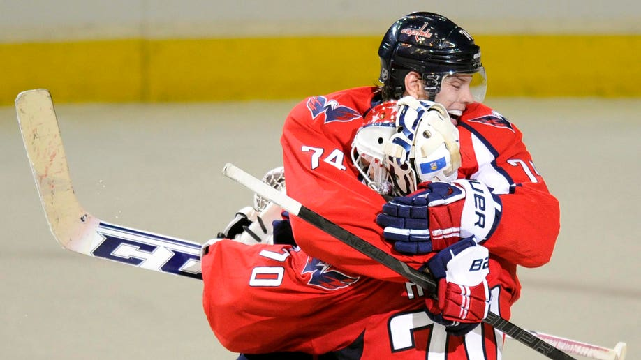 75a655f9-Islanders Capitals Hockey