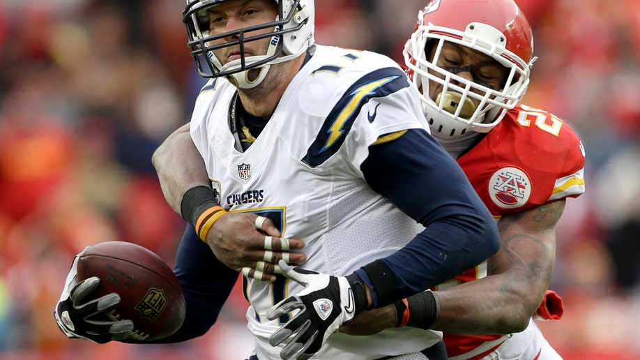97ebdf2d-Chargers Chiefs Football