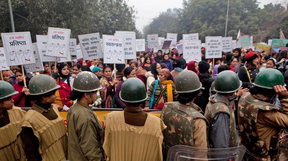 90b20b0e-India Gang Rape