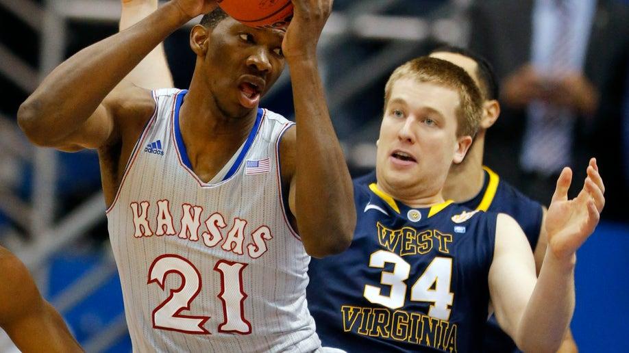 82eb9103-West Virginia Kansas Basketball