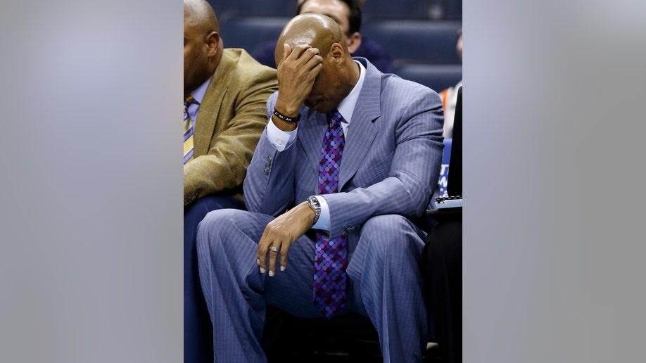 255963db-Cavaliers Bobcats Basketball