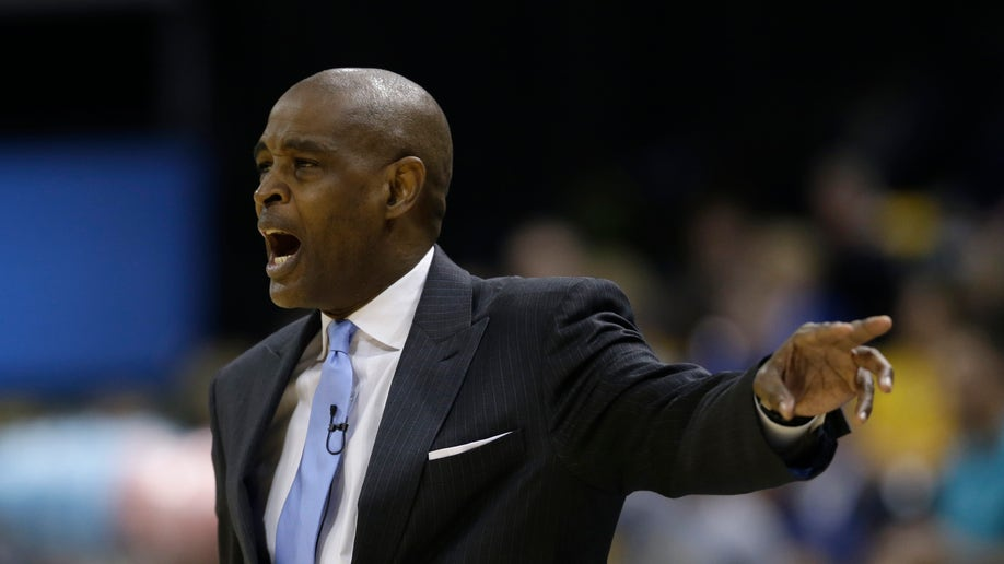 9e23f7e1-Hawks Pacers Basketball