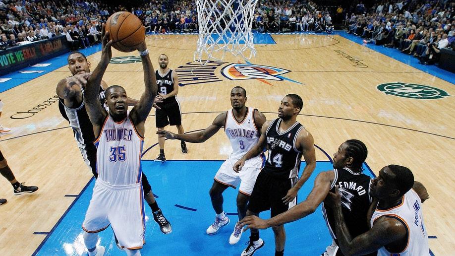 a1075e02-Spurs Thunder Basketball