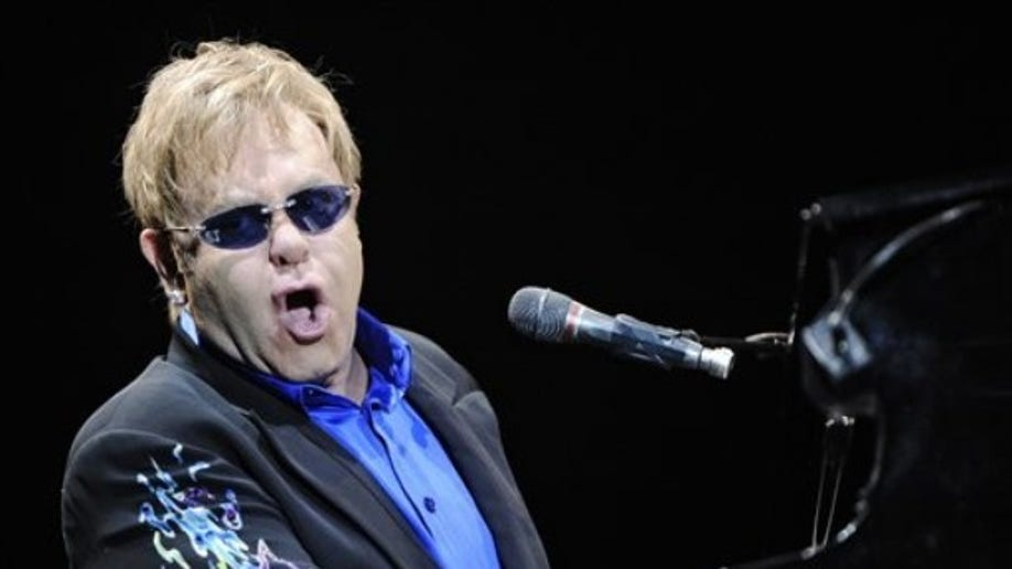 dd6229c4-Slovakia Music Elton John