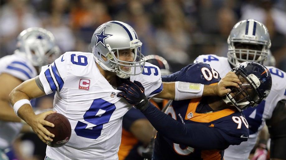d7edde2d-Broncos Cowboys Football