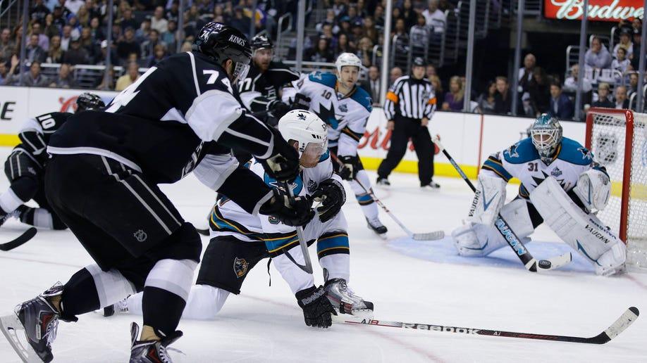 792242ac-Sharks Kings Hockey