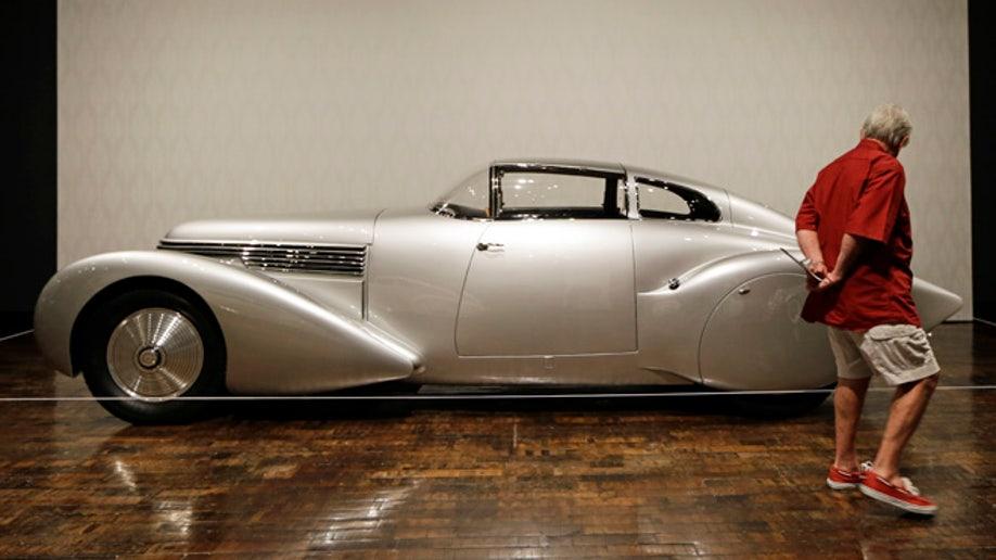 d6e75338-Art Deco Cars