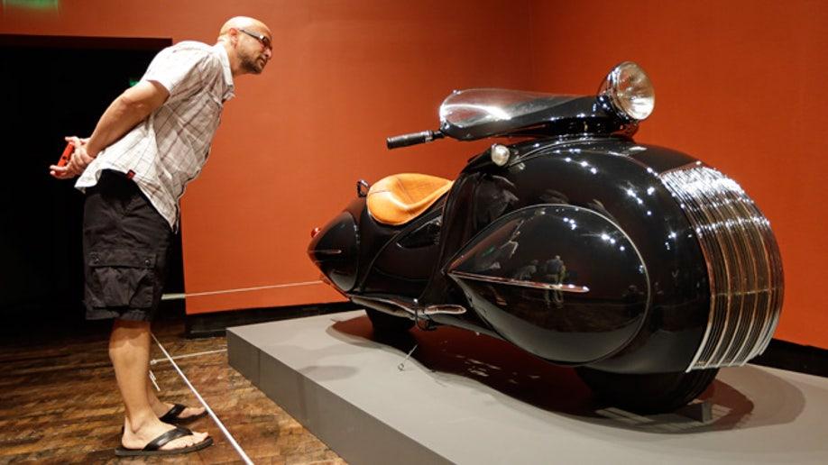 30887bb2-Art Deco Cars