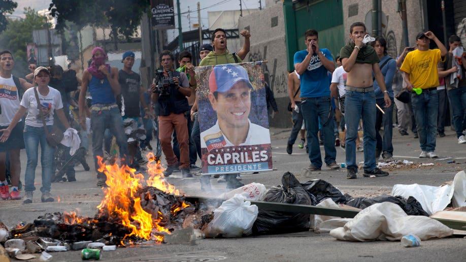 112a3a7e-APTOPIX Venezuela Election