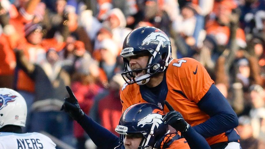 7448a981-Titans Broncos Football