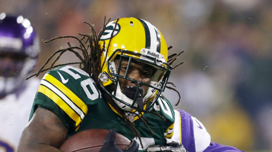 9bcd488e-Vikings Packers Football